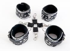Кружевной бондажный комплект серебристый
