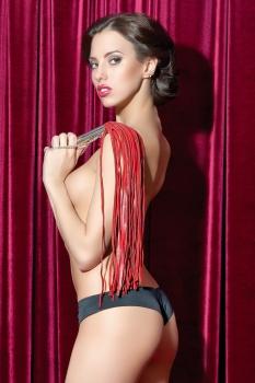 Плеть кожаная красная