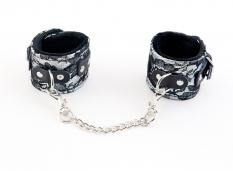 Кружевные наручники серебристые